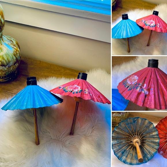 🦋2/$10 3/$15 4/$18 5/$20 Vintage Asian Paper/Wood Umbrellas